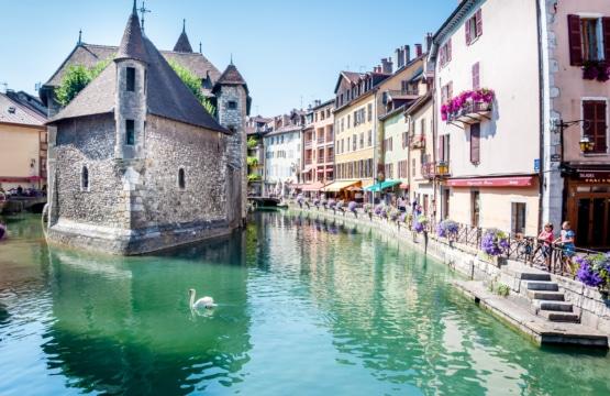 Canal du Thiou et Palais de l'Isle d'Annecy