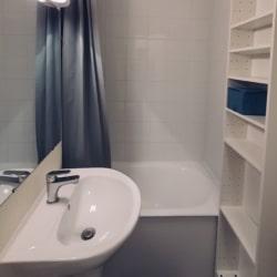 salle de bain du studio a Annecy