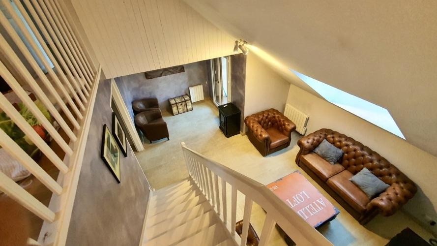 vue haut escalier salon