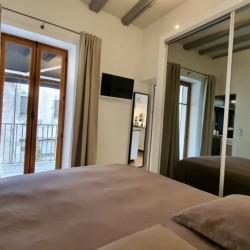 chambre vue du lit double