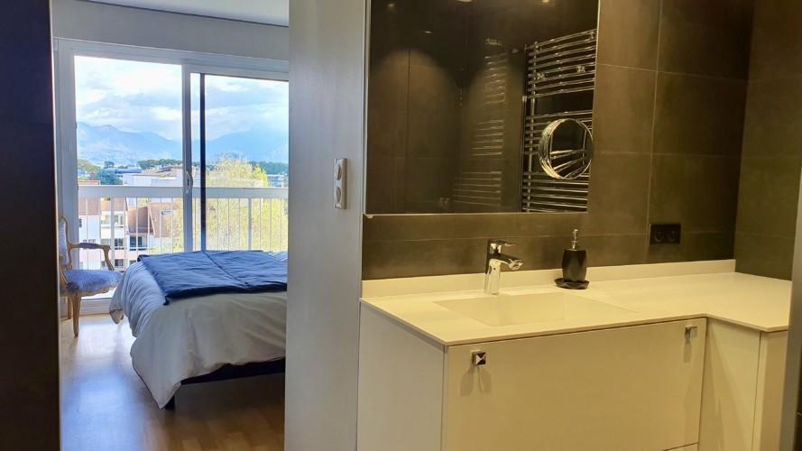 master room vue de la salle de bain
