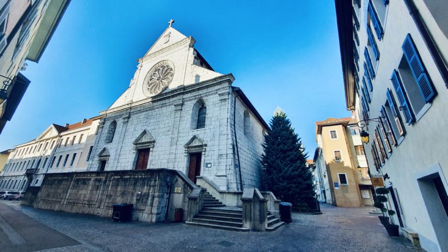 cathedrale saint pierre de la rue jean jacques rousseau