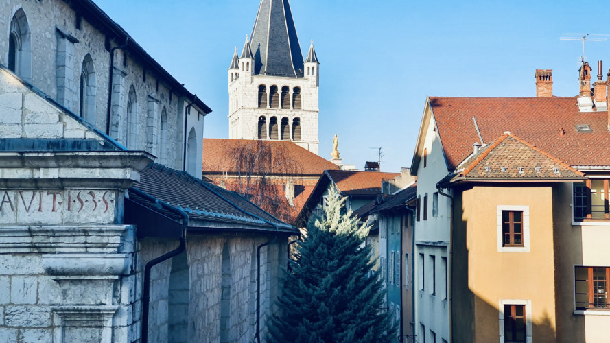 vue sur la cathédrale saint pierre