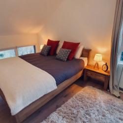 Chambre à l'etage lit double