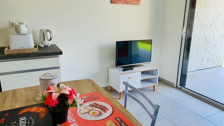 TV et coin repas