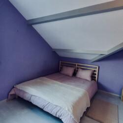 vue chambre violet maison sevrier