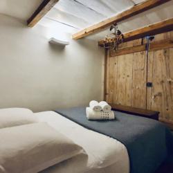 chambre dans alcove fermé