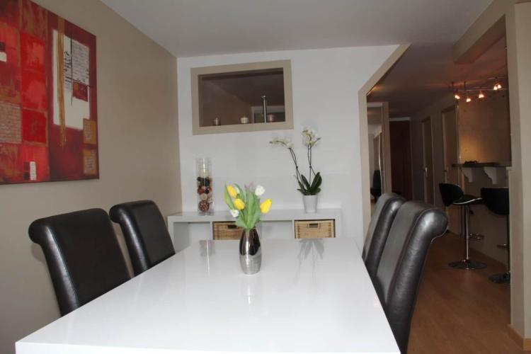 table de repas appartement rue carnot annecy